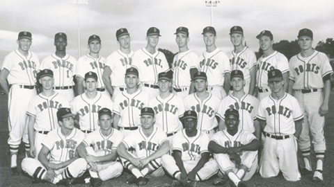 Team photo of the 1963 Ports Championship team.